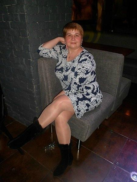 devushki-golie-na-stsene-foto